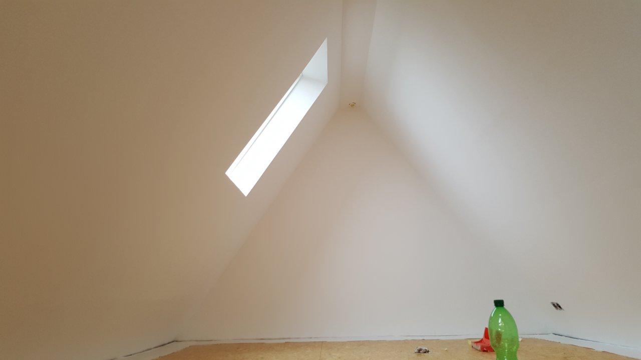Der Dachboden - tapeziert und gestrichen
