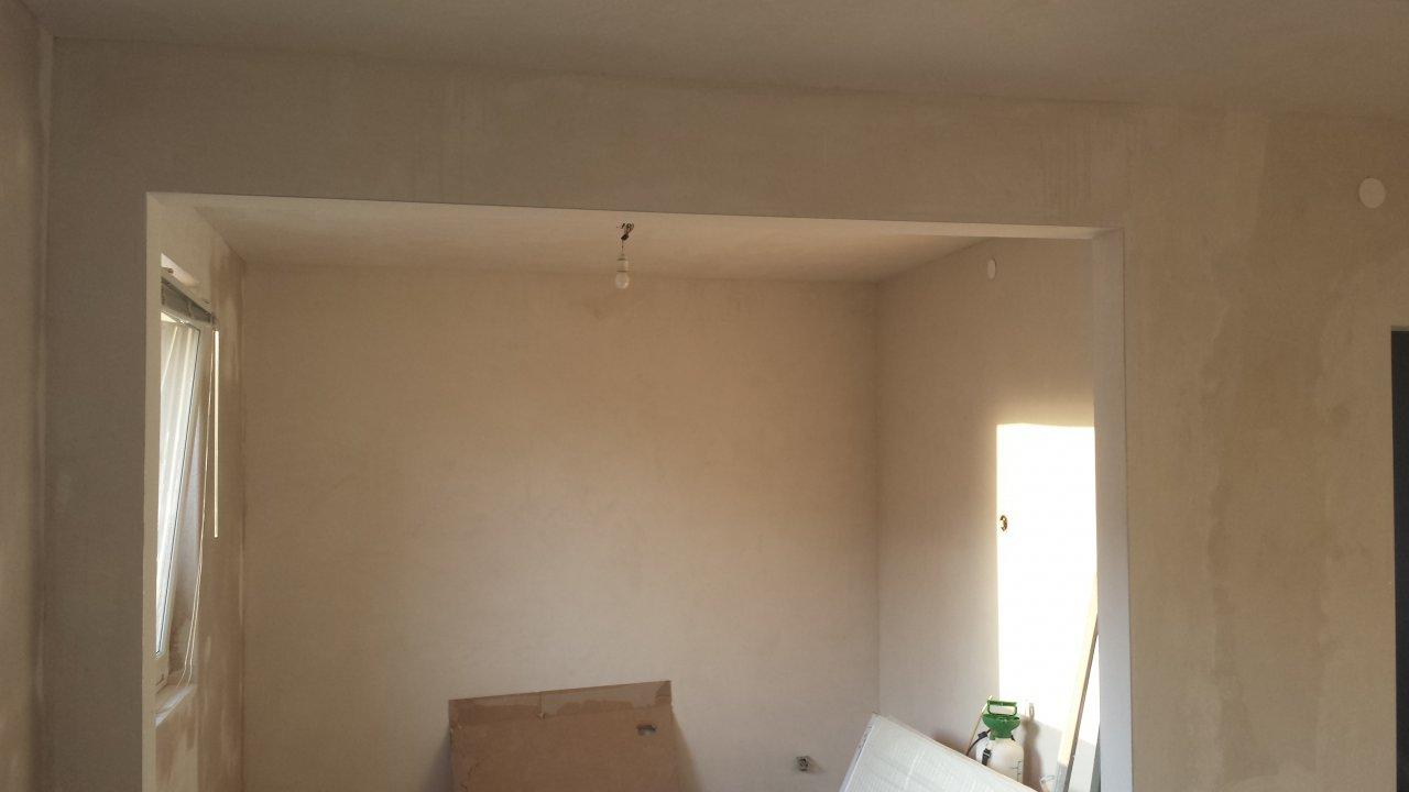 Das Wohnzimmer - Alle Wände sind neu verputzt